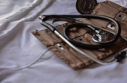 شرایط تحصیل رشته های پزشکی و دندانپزشکی در کشورهای مختلف